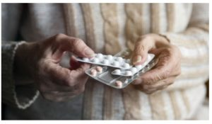Peligros de fármacos en adultos mayores